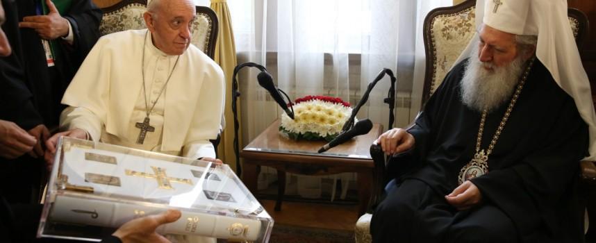 """Папата от """"Ще вървя в твоята светлина"""" до """"Мир на земята"""" (обзор с много снимки)"""