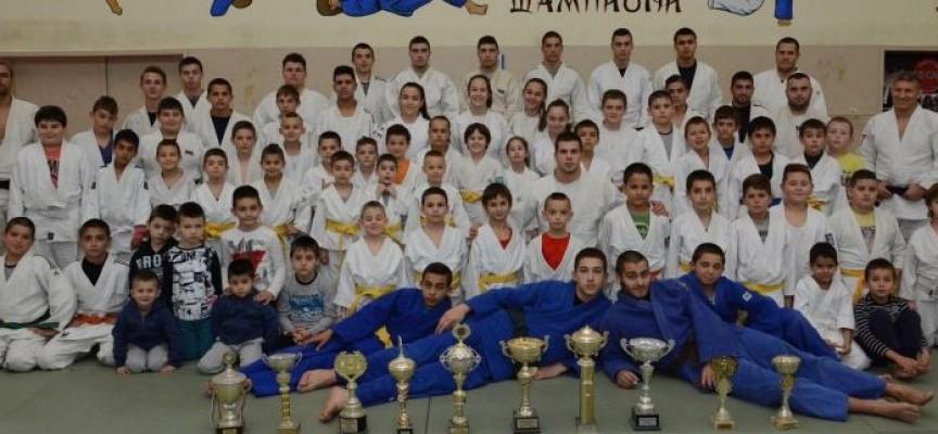 През почивните дни: Отборното първенство за юноши и възрастни по джудо ще се проведе в Пазарджик