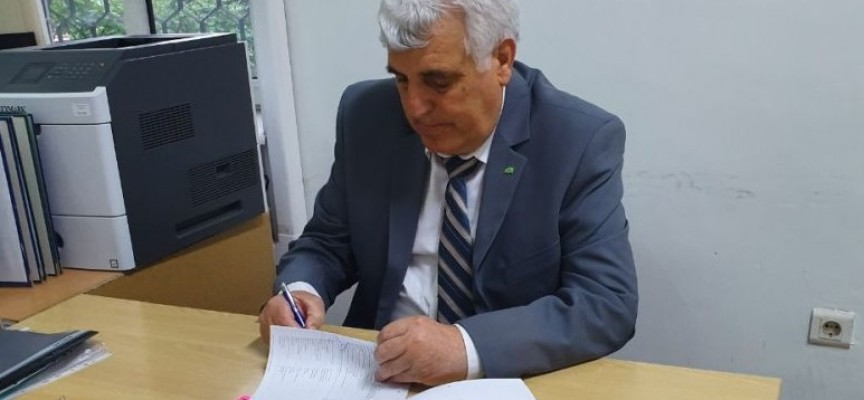 Ето какво е търсил Васил Иванов в кабинета на Костадин Холянов