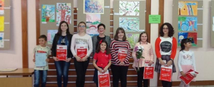 """Наградиха участниците в конкурса за рисунка на тема """"Магията на пролетта"""""""