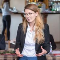Цветелина Пенкова: Все повече българи търсят спасение зад граница, плашещо е