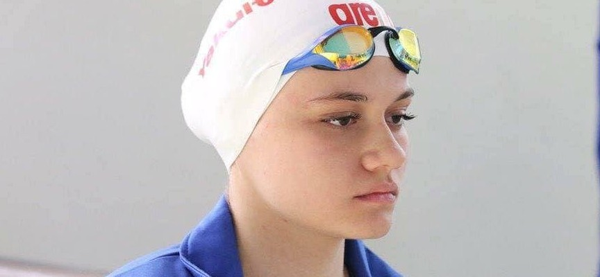 """Камелия Стоименова от СК """"Шампион"""" с два медала от Балканското първенство по плуване"""