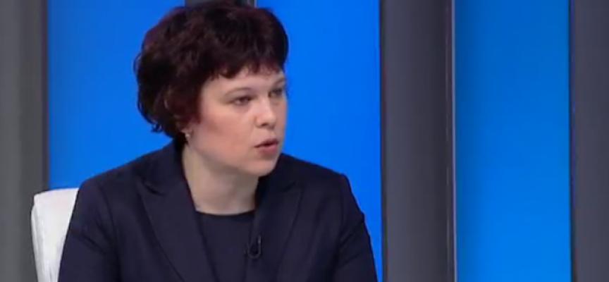Пред БНТ: Зам.-министър Михайлова разясни какви ще бъдат изпитите след VII клас