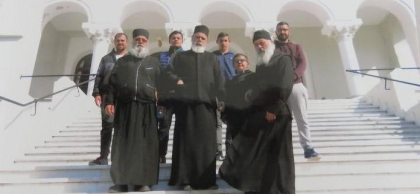 Свещеници от областта с поклоническо посещение в Света гора, прочетете за чудесата усетени там