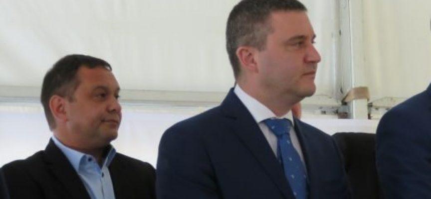 Владислав Горанов: Ще помагаме на работодателите да не съкращават служители