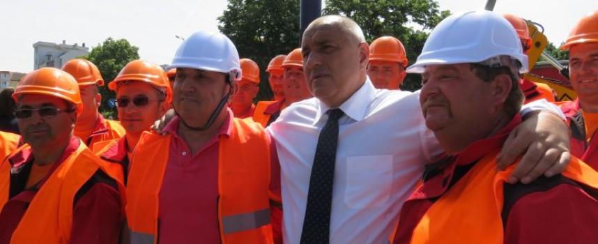 Премиерът даде зелена светлина за Околовръстното на Пазарджик и заръча да запушат огражденията по магистралата