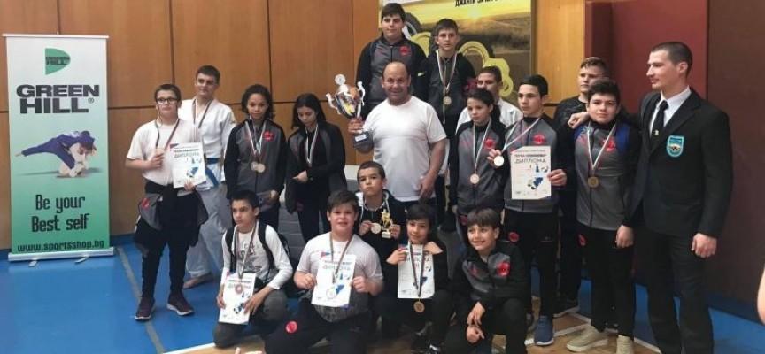"Седем медала за джудистите от СК""Кодокан"" и Спортно училище в Севлиево"