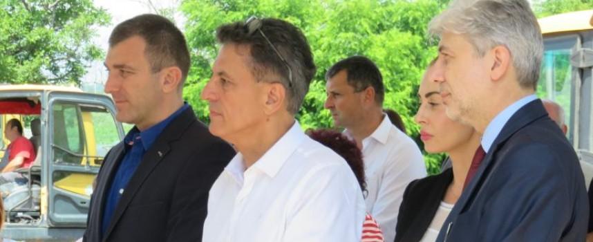 Министър Нено Димов: Много хубаво е, че говорите за общност
