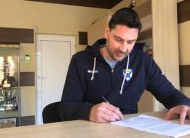 Атанас Петров остава старши треньор на ВК Хебър