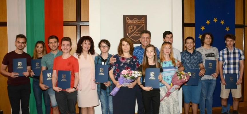 14 млади математици с награди от Община Пазарджик