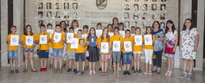 """Четвърти """"в"""" клас от ОУ """"Свети Климент Охридски"""" е """"Клас на годината"""""""