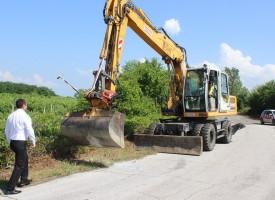 От днес до 31 юли: Пътят между Карабунар и Калугерово е затворен, прокопават пътното легло