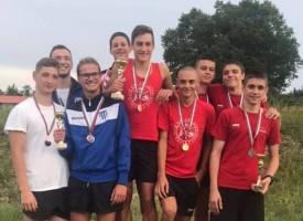 """СК """"Шампион"""" се върна с два медала и купа от Велико Търново"""