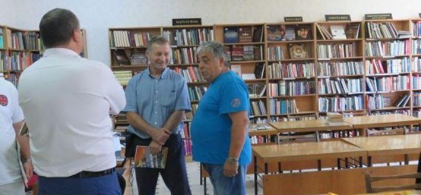 Читалищни библиотеки в област Пазарджик спечелиха проекти за нови книги
