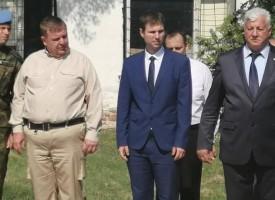 Областният управител посрещна министър Каракачанов в Црънча, Борисов не дойде