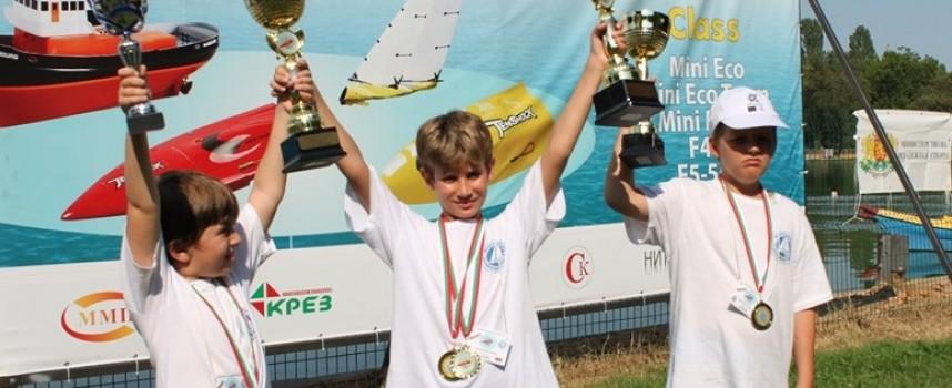 """Седем медала за пазарджишкия """"Модел яхт клуб"""" от Световна купа """"Теншок"""""""
