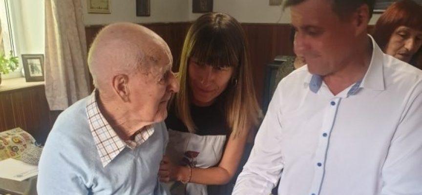 Велинград почете столетника Христо Чотрев
