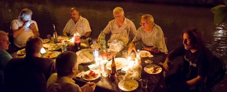 С тайна вечеря в Паша арк художникът Васил Петров отбеляза успешна изложба