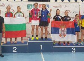 Гергана Павлова и Таня Иванова грабнаха Балканската купа по бадминтон