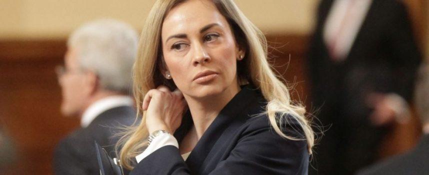Десислава Тодорова влиза в Народното събрание на мястото на Екатерина Захариева, ето защо
