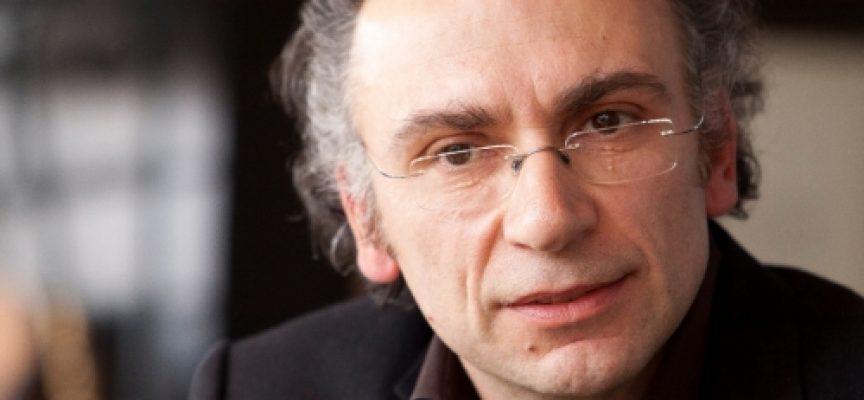 """""""Сиела"""" прави второ издание на """"Ангелски езици"""", Димитър Динев е учил в ЕГ""""Б.Брехт"""""""