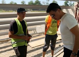 Кметът Тодор Попов направи оглед на ремонта на стадиона