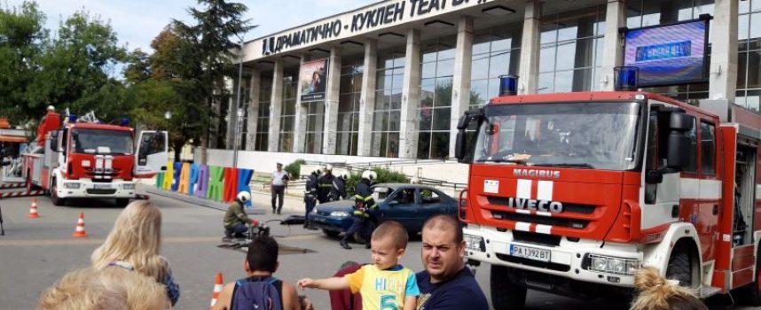 Шефът на пожарната комисар Ангел Дудов празнува имен ден!