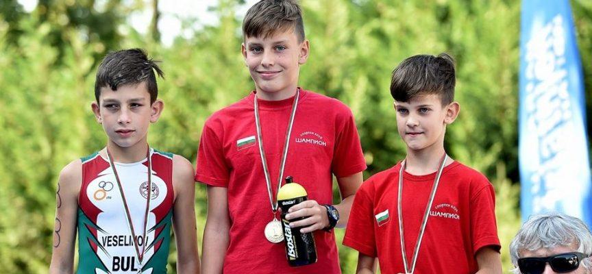 """СК""""Шампион"""" завърши сезона по триатлон с 41 медала"""