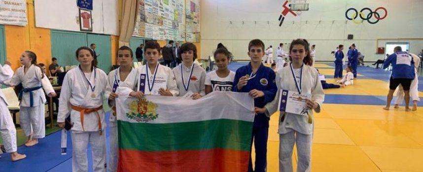 """Пазарджишките джудисти на """"Кодокан"""" и Спортното сътвориха чудо на Международния турнир в Гърция"""