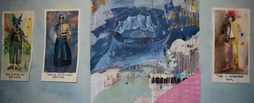 "В Деня на народните будители: Сценографска изложба ""Отворени пространства"""