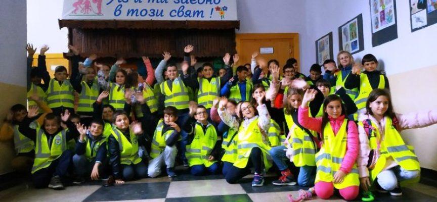 В Панагюрище, Пазарджик, Пещера, Велинград и Септември: Децата -доброволци започнаха новата обучителна година в ДПУ
