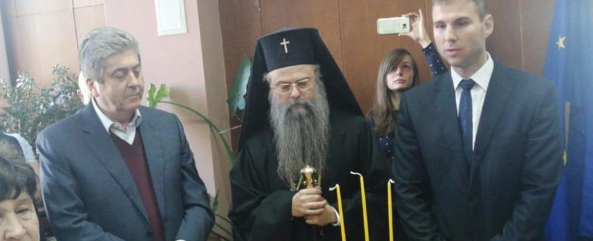 Дядо Николай отслужи молебен за здраве в Батак, Петър Паунов встъпи в длъжност в присъствието на Георги Първанов