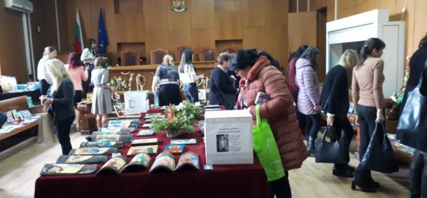 Благотворителен коледен базар в подкрепа на Георги Арнаудов в съда събра 4927.22 лв.