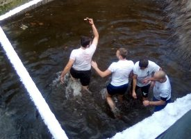 Богословът Христос Рамбов улови кръста в Брацигово
