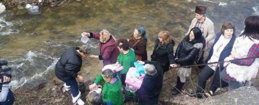 Честваме Деня на родилната помощ, в Голямо Белово правят къпанки