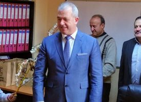 Пещера: Четвъртокласници сурвакаха кмета Йордан Младенов за Банго Васил