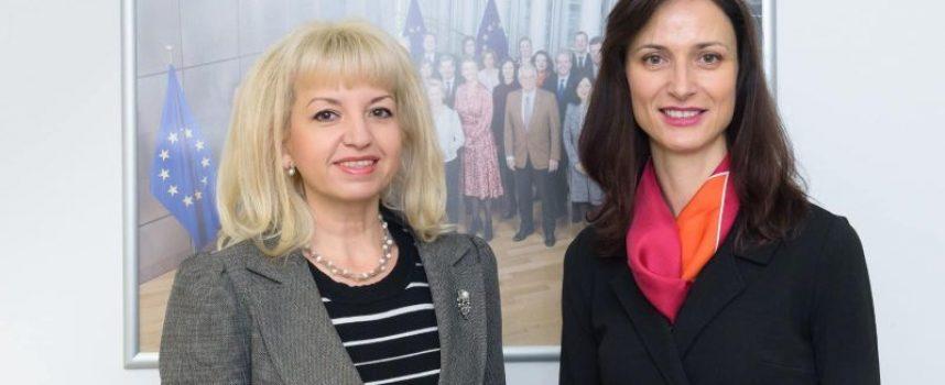 Мария Габриел и Петя Ставрева дискутираха нови възможности за модернизация на земеделието ни