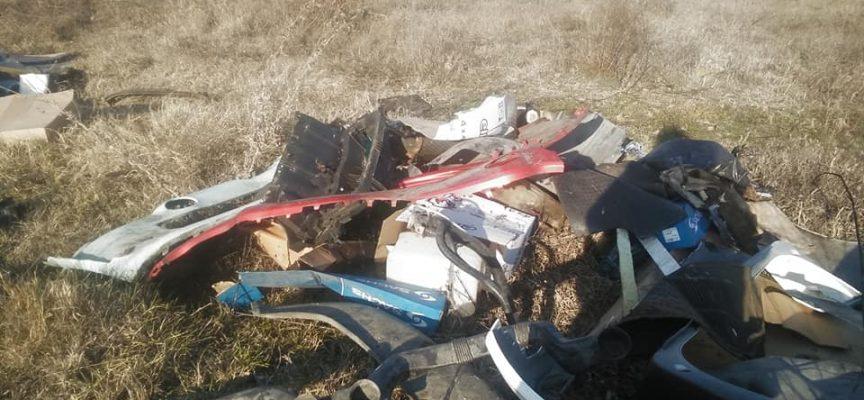 Неизвестна автоморга зарина с боклук стадиона зад Говедаре, кметството го почисти