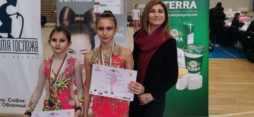 """Дара Стоянова и грациите на """"Диляна Прима"""" със злато и нови успехи от """"Angels Cup"""""""