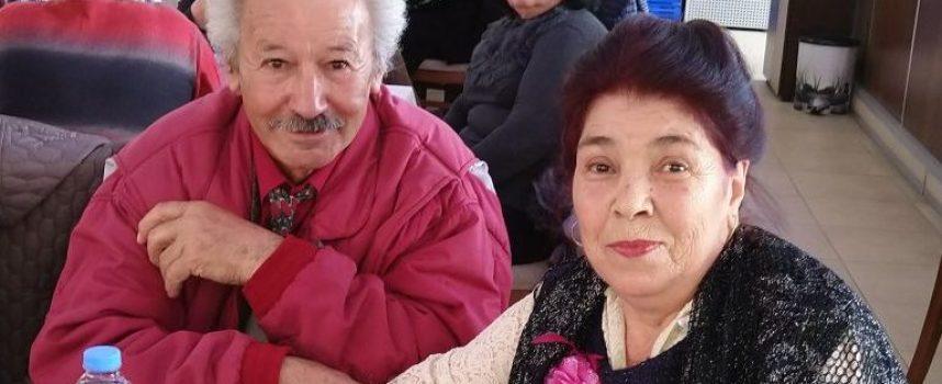"""Пенсионерски клуб """"Надежда"""" в Пещера отбеляза 8 март"""