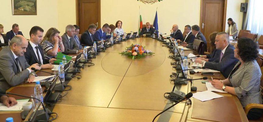 Бойко Борисов на извънредно заседание на МС: 50 000 защитни маски пристигат от Турция