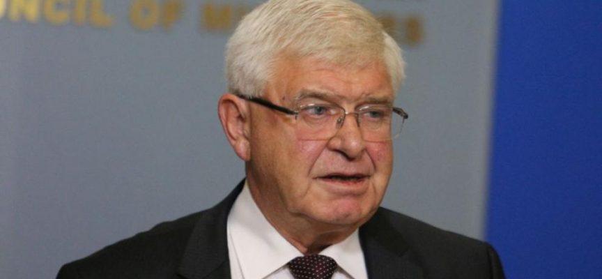Кирил Ананиев: Ще решим дали да удължим извънредната обстановка