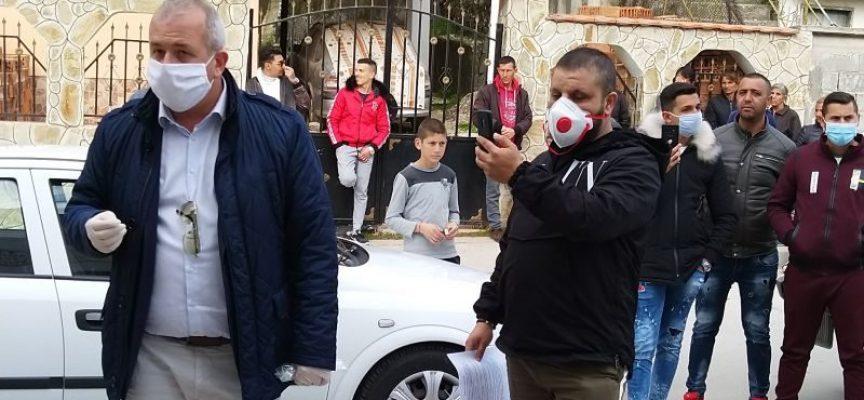 Младенов посети ромските квартали в Пещера за да се запознае с обстановката