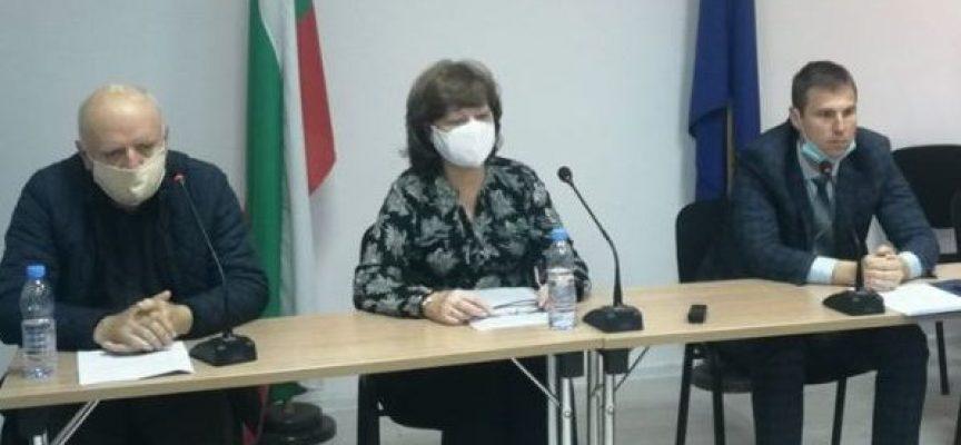 Служител на МВР, лекар и двама санитари са сред новозаразените, в Сърница – няма