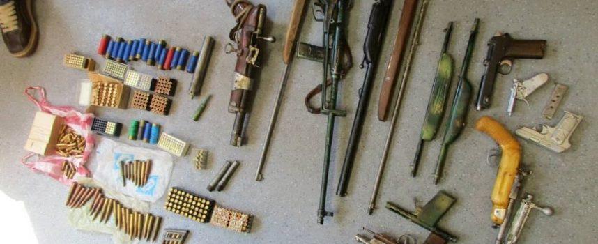 71-годишен от Ветрен колекционирал незаконни пушки и пистолети