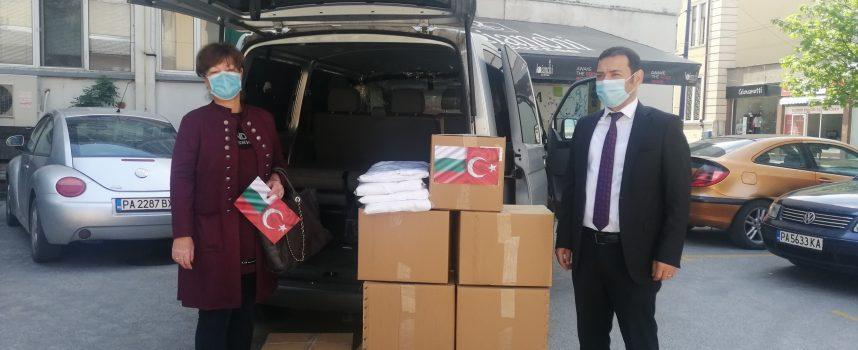 Областният кризисен щаб получи дарение от Генералния консул на република Турция в Пловдив