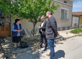 Родословие: Дядо Лулчо от Калугерово подарява на местната църква изключително ценната книга Минеи