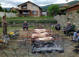 Печените агнета ароматизираха Паталеница, коронавирусът сплоти фамилиите