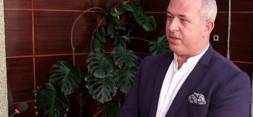 Йордан Младенов връчи на 47 семейства удостоверения за ползване на детска кухня
