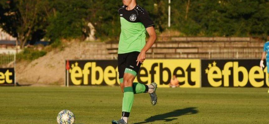 16-годишен възпитаник на Спортното влезе в отбора на ФК Хебър